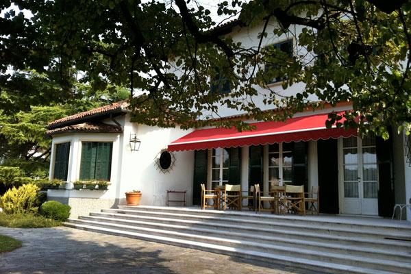 Villa in affitto per vacanza a vicenza posizione strategica for Disposizione della casa 3d